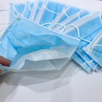 3 Ply Disposable Face Mask Blue And White Non Woven Fabric Face Mask Avoid Bacteria Manufactures
