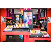 High Performance Interactive Showcase For Shoes / Bags Store 500 Cd/M2 Display Brightness Manufactures