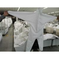 Professional Disposable Isolation Gown / White Disposable Overalls Manufactures