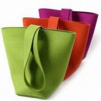 Shopping bags, made of felt, available in various colors Manufactures