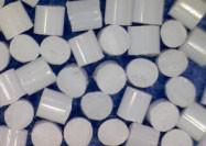 Permanent Antistatic Plastic Sandblasting Media PC Frozen Sand 120 HRC Hardness Manufactures
