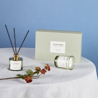 Leather Decoration Scented Candle Reed Diffuser Home Fragrance Gift Set Manufactures