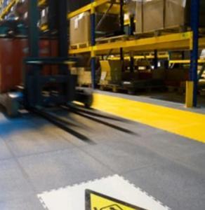 Driveway garage outdoor interlocking plastic floor tiles Manufactures