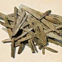 Agarwood Oil Manufactures